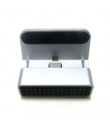 Adapter ima ugrađenu spy wifi kameru i može se daljinski upravljati s vašeg mobitela.